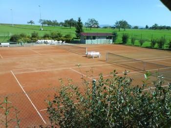 Tennisplatz Bild 1